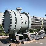 High Pressure Alloy 625 U- Tube Bundle, 1-1/4 Cr - 1/2 Mo Head w/Alloy 625 Weld Overlay for Refinery Feed Preheater